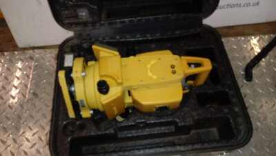 TOPCON total station c/w case