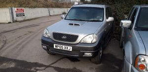 2005 HYUNDAI TERRACAN CDX CRTD diesel (WP05 XXJ) (silver)(V5, spare key & Service book in office) (with gearbox - does not drive)