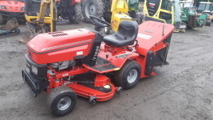WESTWOOD T1600 ride on mower c/w collector S/n:11211GW8720553