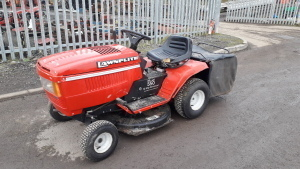 LAWN ELITE 550 ride on mower c/w collector