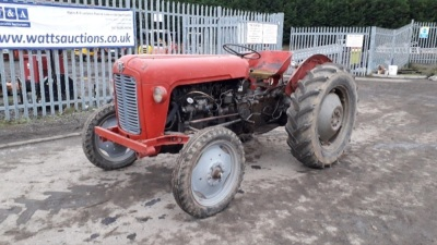MASSEY FERGUSON 35 2wd diesel tractor (Certificate of d'immatriculation in office) (s/n SDF120135)