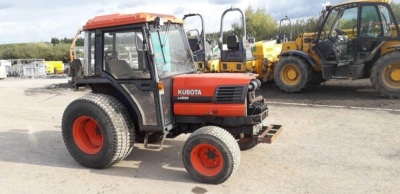 KUBOTA L4200 compact tractor, 2 spools, 3 point links, pto (R739 ABW) (s/n L4200D56881)