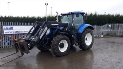 2015 NEW HOLLAND T7-200 4wd tractor c/w power command, 50kph CCLF, hi flow hydraulics, 4 spool valves, ZUIDBERG front links, front suspension, cab suspension, air brakes, A/c, air seat, with Trimmer 5.1p loader & electro loader control (DK15 ADU)(V5 in of