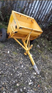 CUTHBERTSON PG80 trailed gritter