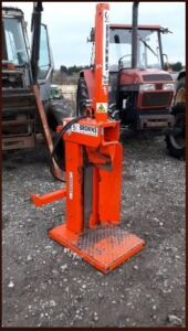 BROWNS tractor mounted hydraulic log splitter