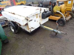PIKE signal traffic light trailer c/w 2 x lights