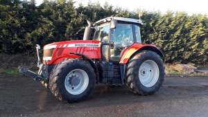 2016 Massey Ferguson 7718 4wd tractor, front links, front suspension, cab suspension.