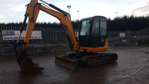 2011 JCB 8055 rubber tracked excavator S/n: J01536378 with bucket, blade, piped & Q/hitch