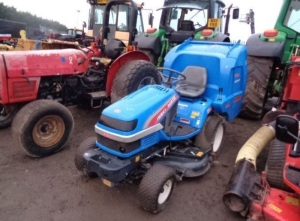 2002 ISEKI SGR19 diesel ride on mower c/w SBC500 collector (s/n 000480)