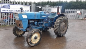 FORD DEXTA 3000 speed shift 2wd diesel tractor S/n:A151168 (Certificate of d'immatriculation in office)