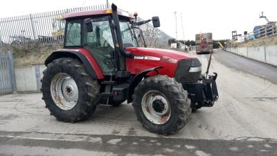 CASE MXM120 4wd tractor, ZUIDBERG front linkage, 4 x spool valves, assister ram, cab suspension