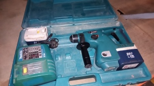 MAKITA BHR200 cordless SDS drill c/w 2 x batteries, charger & case