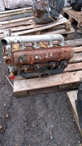 DAVID BROWN 4-cylinder diesel engine (spares)