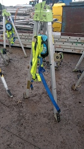 Fall arrester tripod c/w fall arrest block & harness