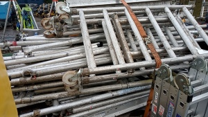 Quantity of alluminum scaffold components